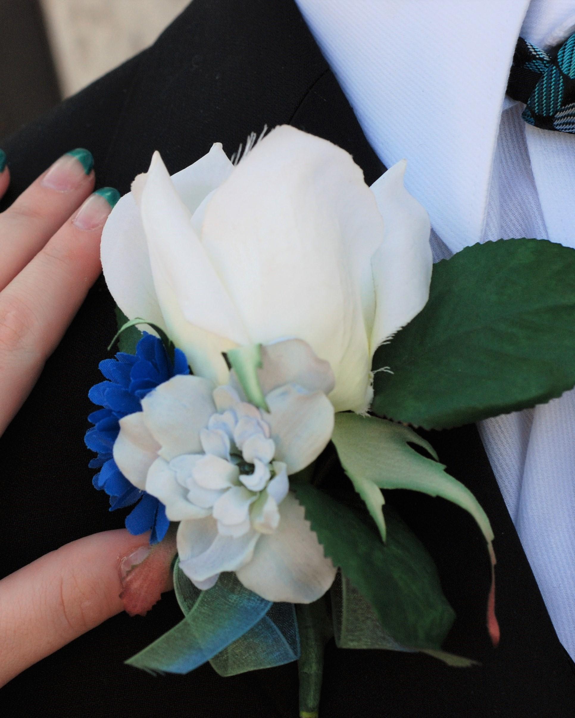 Silk Floral Boutonnierre